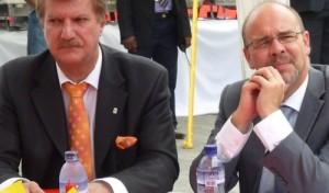 Jacques Gremaud, l'Ambassadeur de Suisse au Congo (à gauche)