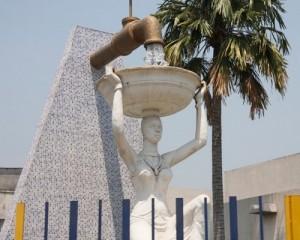 regideso-statue2
