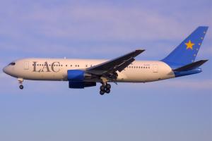 640px-Lignes_Aériennes_Congolaises_Boeing_767-200ER_TF-ATO_BRU_2002-3-2