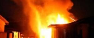 scandal-incendie-na-bandal-makelele-mabele-ba-cantine-esali-musala-ya-ba-pompiers-380x156