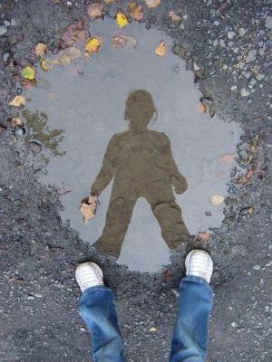 M dias le miroir renvoie l image de l homme journal le for Reflet dans le miroir