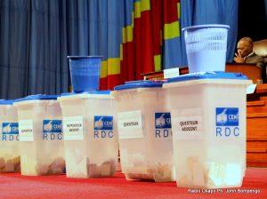 Des urnes, lors de l'élection du bureau définitif de l'Assemblée nationale congolaise le 12/04/2012 à Kinshasa. Radio Okapi/ Ph. John Bompengo
