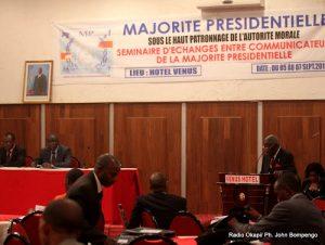 Des participants au séminaire d'échanges entre communicateurs de la majorité présidentielle, tenu 5 au 7/9/2011 à Kinshasa. Radio Okapi/ Ph. John Bompengo